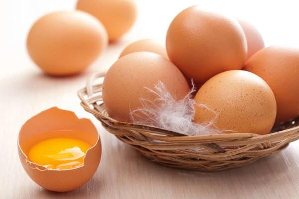 Trứng là món ăn rất tốt cho da khô