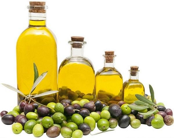 Dầu thực vật chứa nhiều Vitamin E tốt cho da khô
