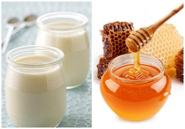 Cách trị nẻ môi, khô da mặt cho trẻ nhỏ bằng sữa tắm mật ong