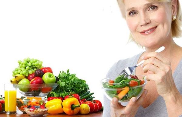Phụ nữ tuổi 45 nên có một chế độ ăn uống khoa học