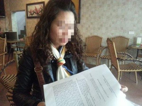 chị N.T.L đã đưa con gái đến công an phường Thịnh Liệt