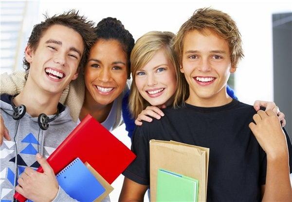 Gia sư nên tạo tâm lí thoải mái cho học sinh khi dạy bài