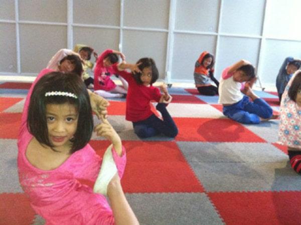 Những lớp tập múa sẽ giúp bé rèn tính kỷ luật, ý thức cố gắng