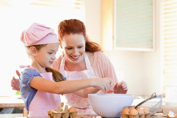 Trẻ 12 tuổi có thể nấu ăn