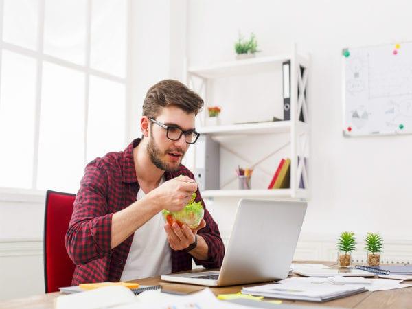 Điều trị và phòng tránh bệnh trĩ bằng cách thay đổi thói quen sinh hoạt và ăn uống hợp lý