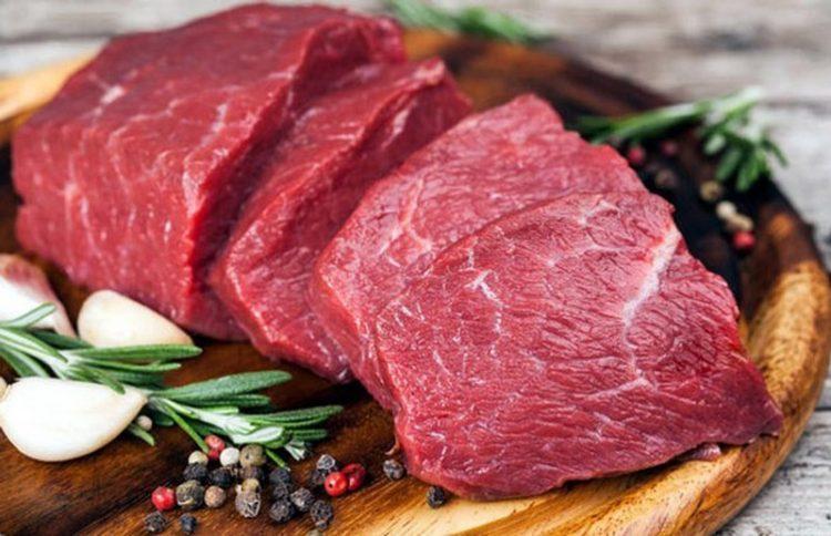Thịt bò ngon có màu đỏ tươi,