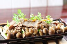 nấm rơm xào thịt bò