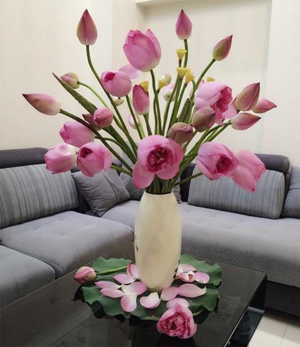 Lưu ý chọn bình hoa phòng khách sao cho đẹp