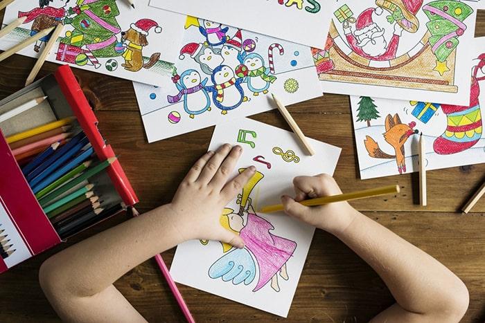 Dạy trẻ 5 tuổi học vẽ tranh