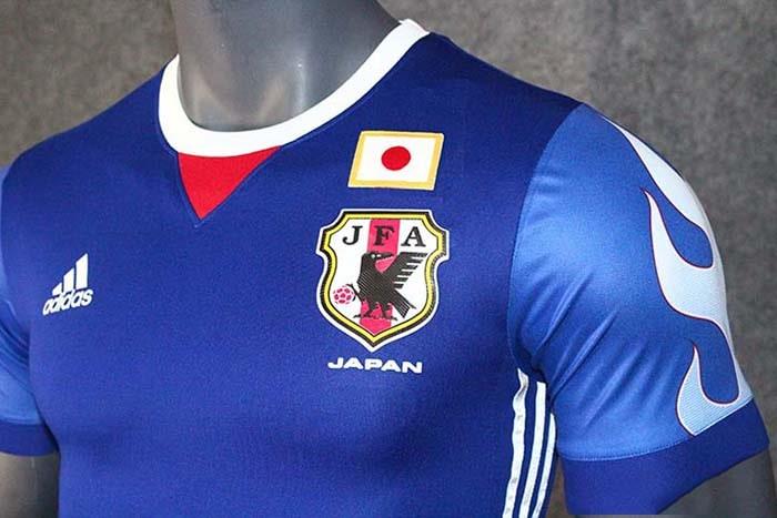 Hình ảnh áo đội tuyển quốc gia tinh tế của xứ mặt trời mọc
