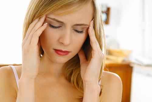Phụ nữ đau đầu trong kỳ kinh nguyệt là do nhiều nguyên nhân