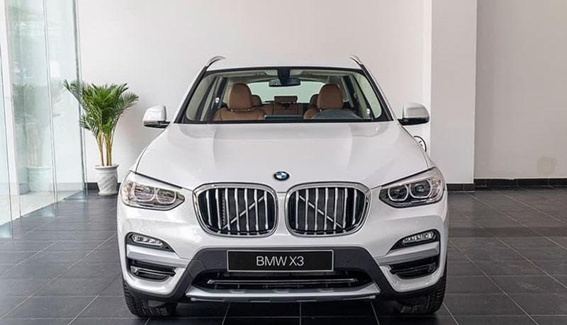 Phụ nữ nên mua xe ô tô BMW